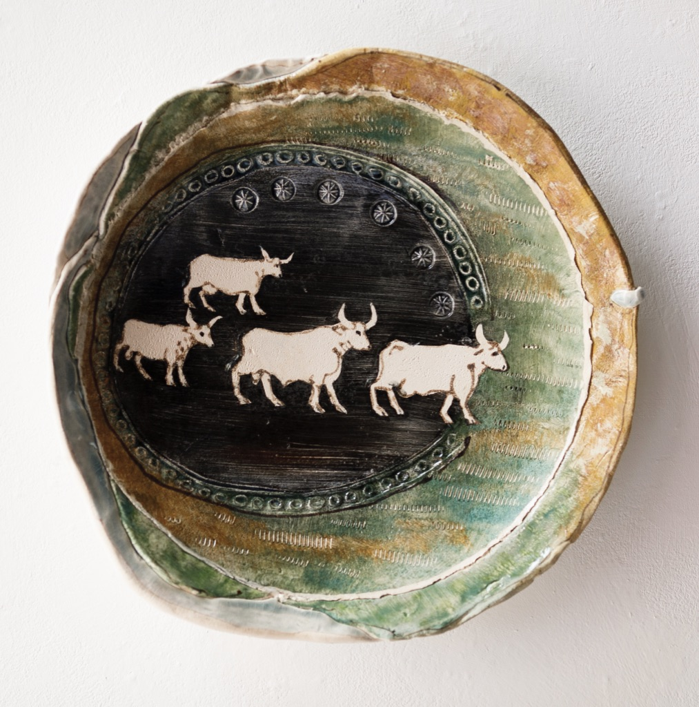 Fairy cattle of Lyn Nerfach. Dish. Mythological beasts series